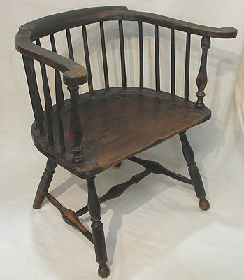 A FINE PHILADELPHIA  LOW-BACK CHAIR