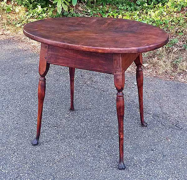 Oval-top Splay-legged Queen Anne period tap table