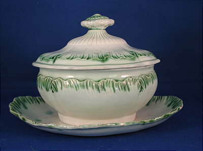SOLD   GREEN SHELL EDGE SAUCE TUREEN