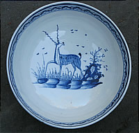 SOLD   PEARLWARE BOWL WITH A GREAT DEER